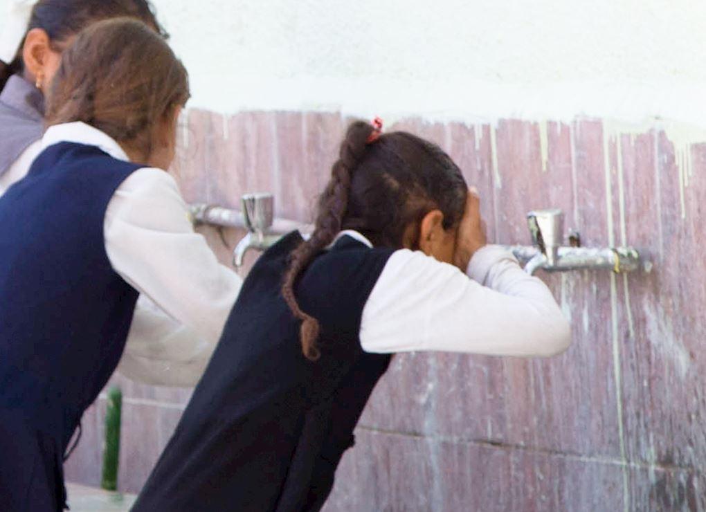 دورات مياه لطالبات المدارس